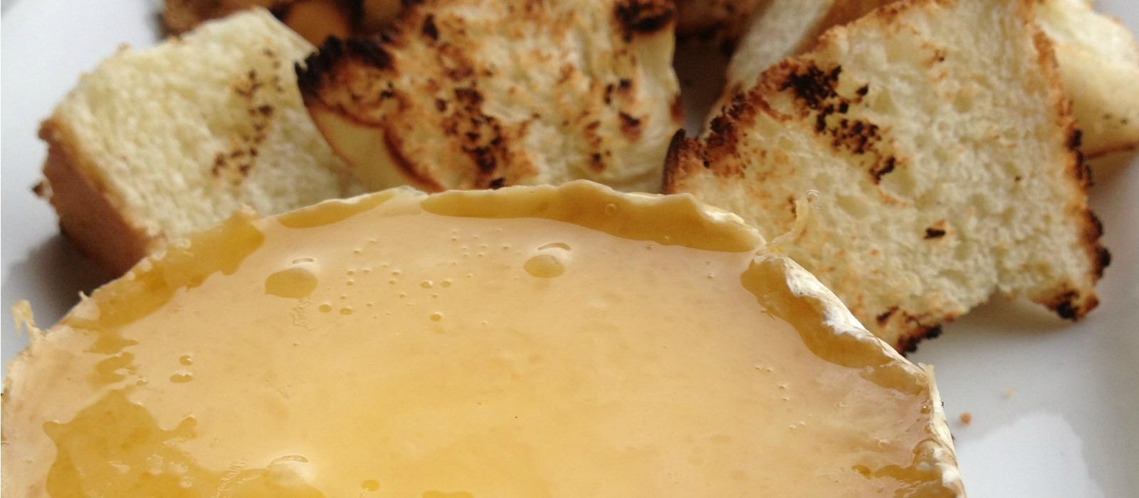 BBQ Brie Fondue