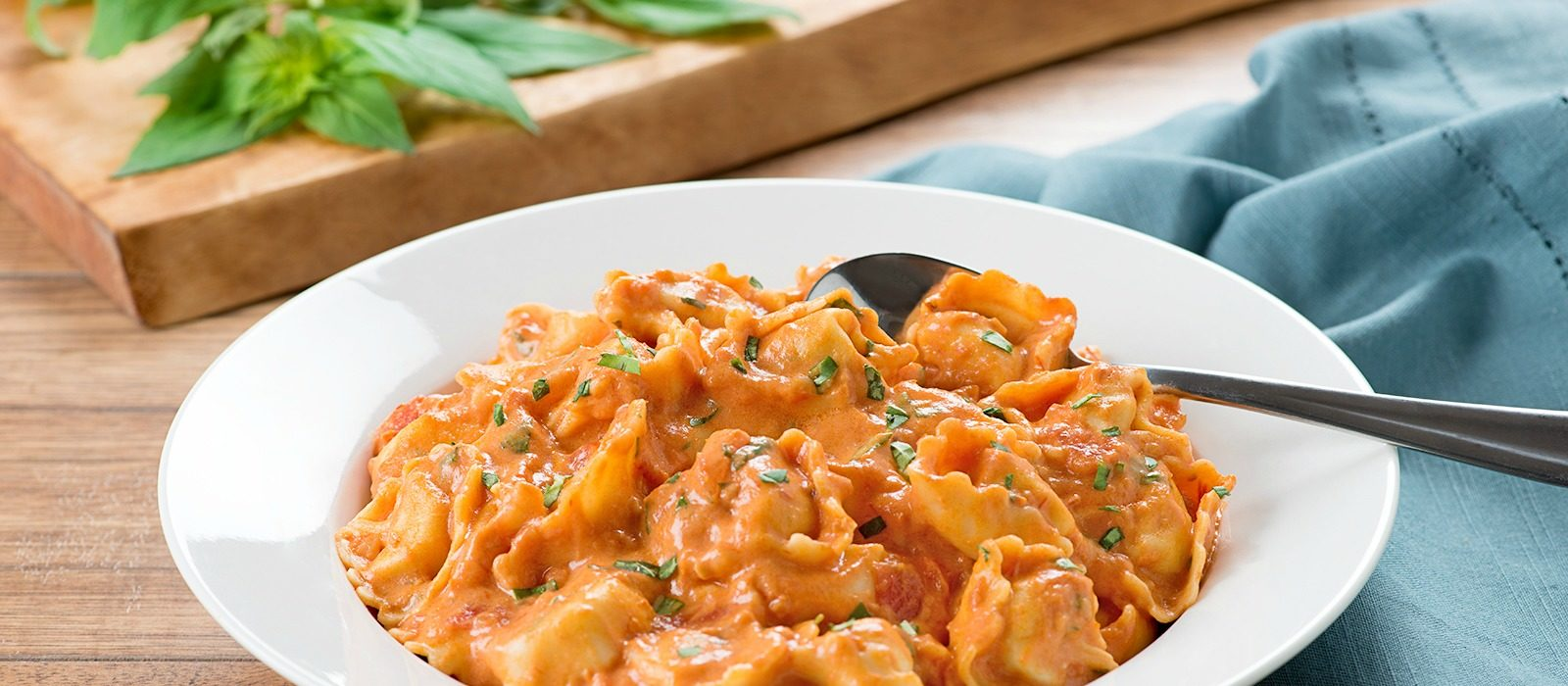 Cheese Tortellini with Roasted Red Peppers
